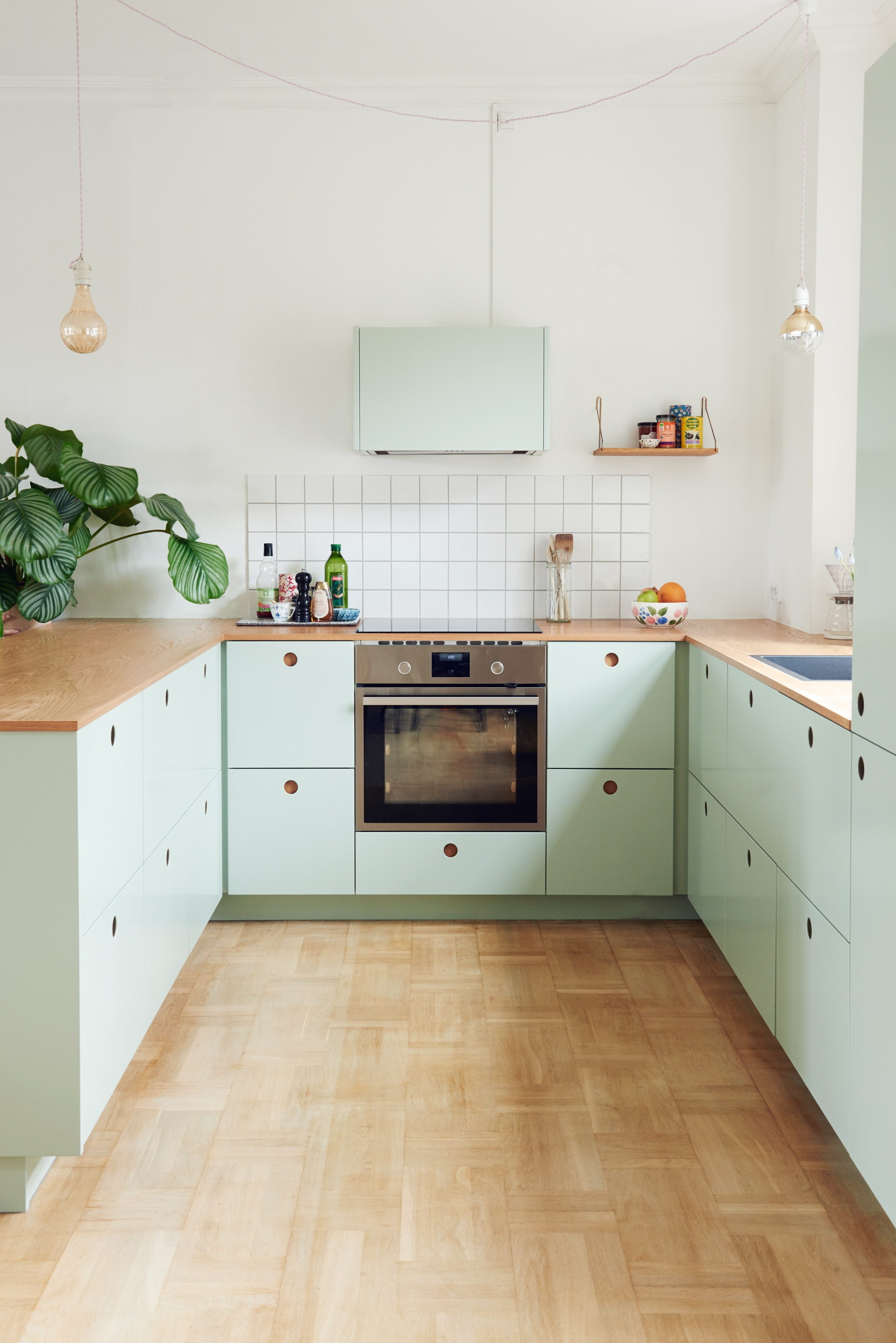 Kitchens Without Upper Cabinets Should You Go Without Apartment