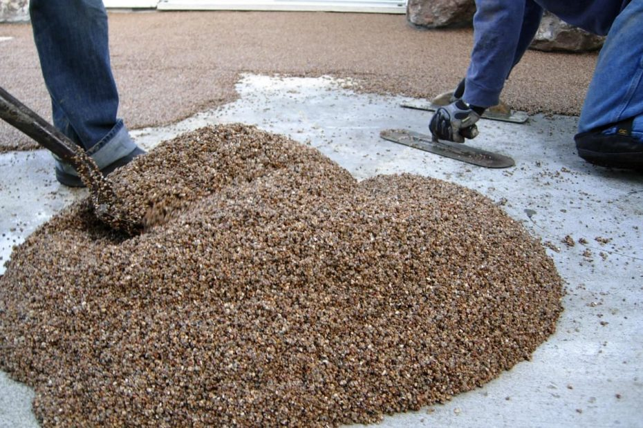 Laying A Pebble Patio Diy Projects Pebble Patio Patio Flooring
