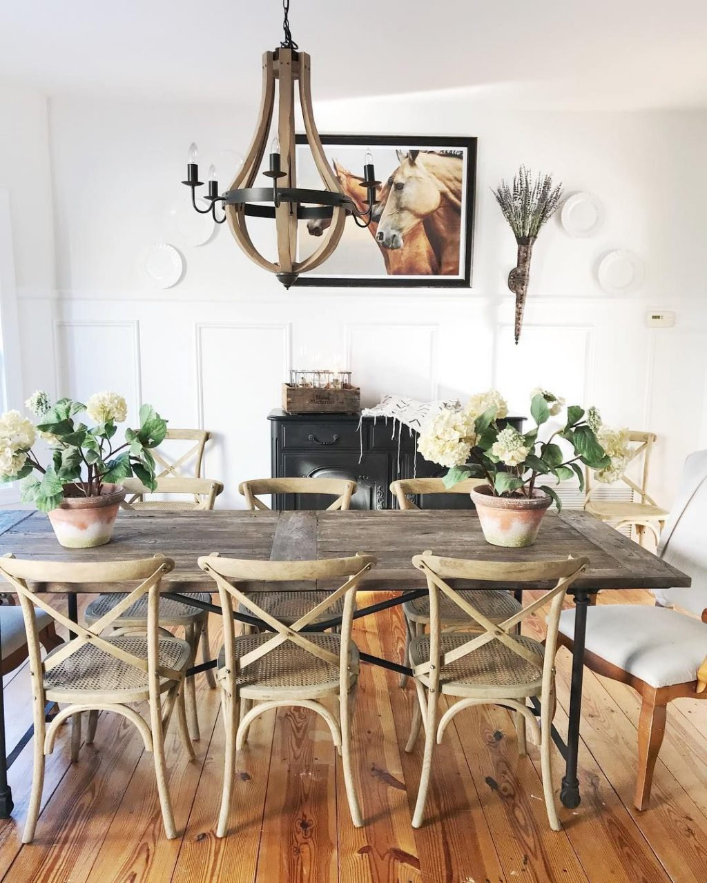 Love This Rustic Chic Dining Dining Rooms Cottage Dining Rooms