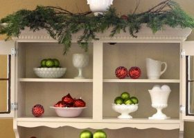 Christmas Decorating with Milk Glass