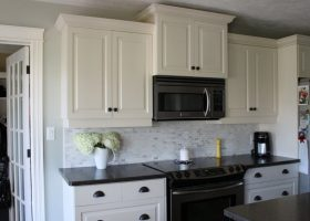Black White Kitchen Cabinets with Pulls