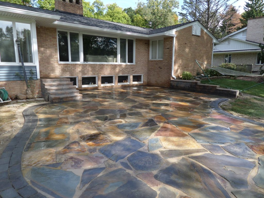 Natural Stone Patio New York Flagstone With A Oaks Colonnade Paver