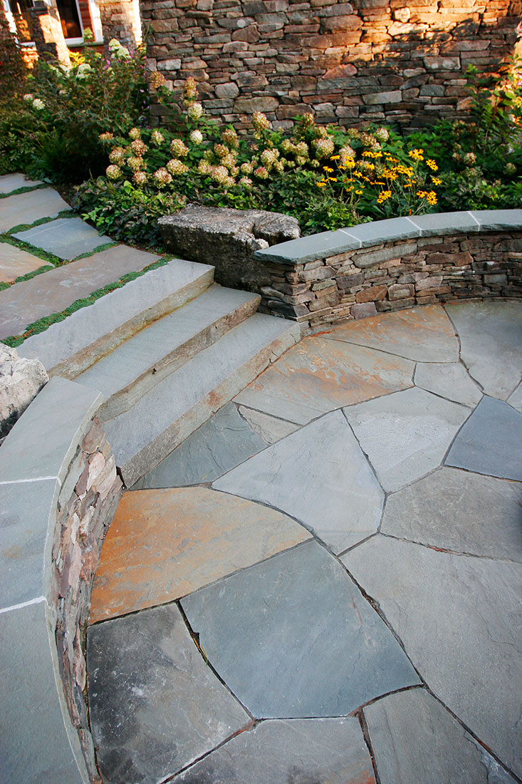 New York Bluestone Random Flagstone Natural Stone Paving