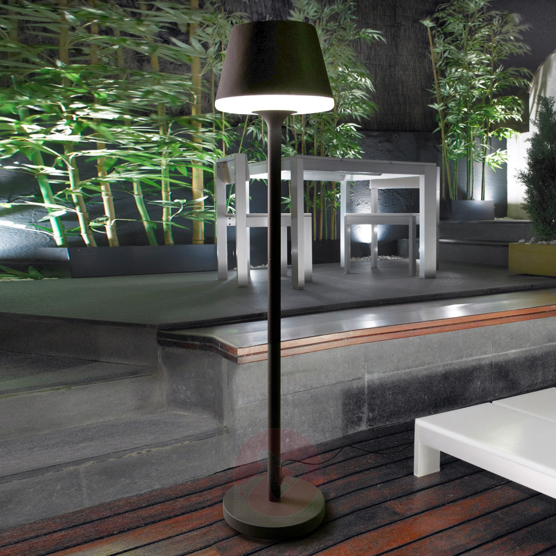 Orleon Outdoor Floor Lamp Lightsie