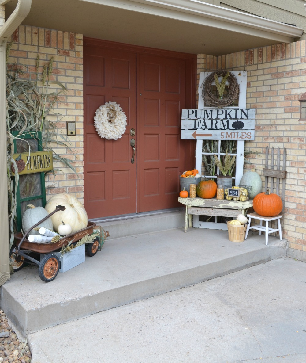 Outdoor Fall Decorations With Farmhouse Style The Country Chic Cottage