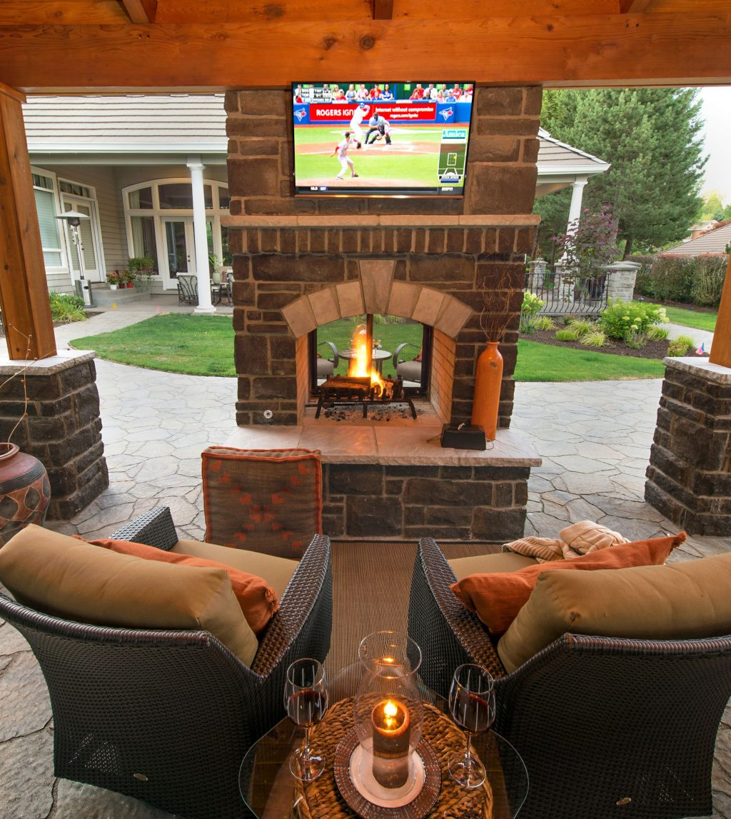 Pin Marie Commiskey On Outdoor Theatre Backyard Patio Designs