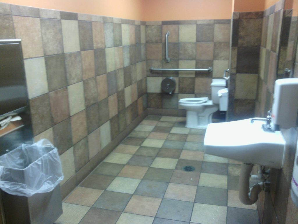 Rather Large Single Bathroom At Taco Bell Mildlyinteresting