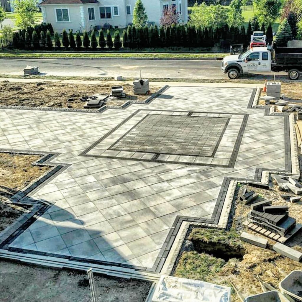 Should You Use Flagstone Or Pavers In Your Backyard Patio Design