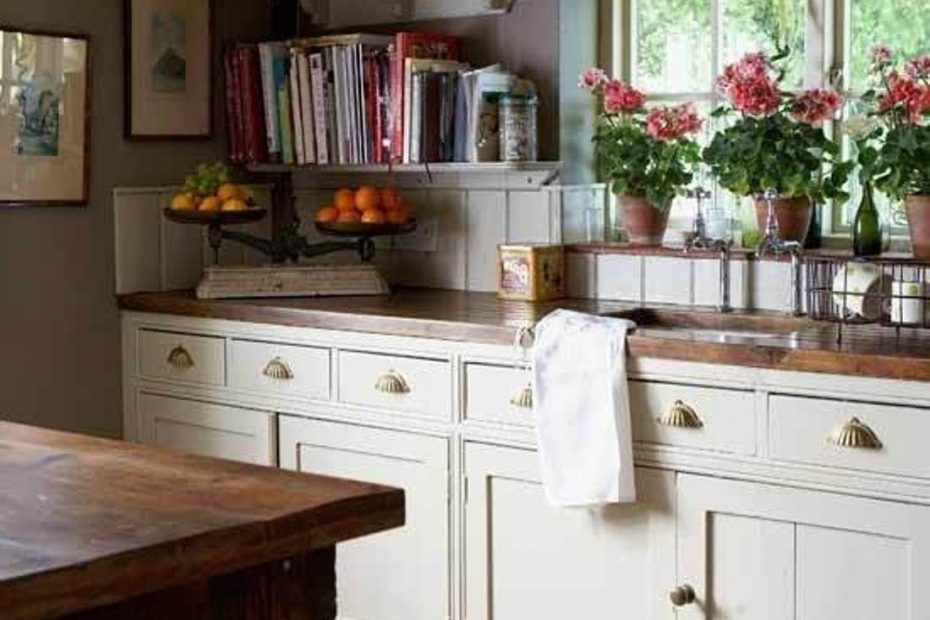Sweet English Country Kitchens New House Cottage Kitchens