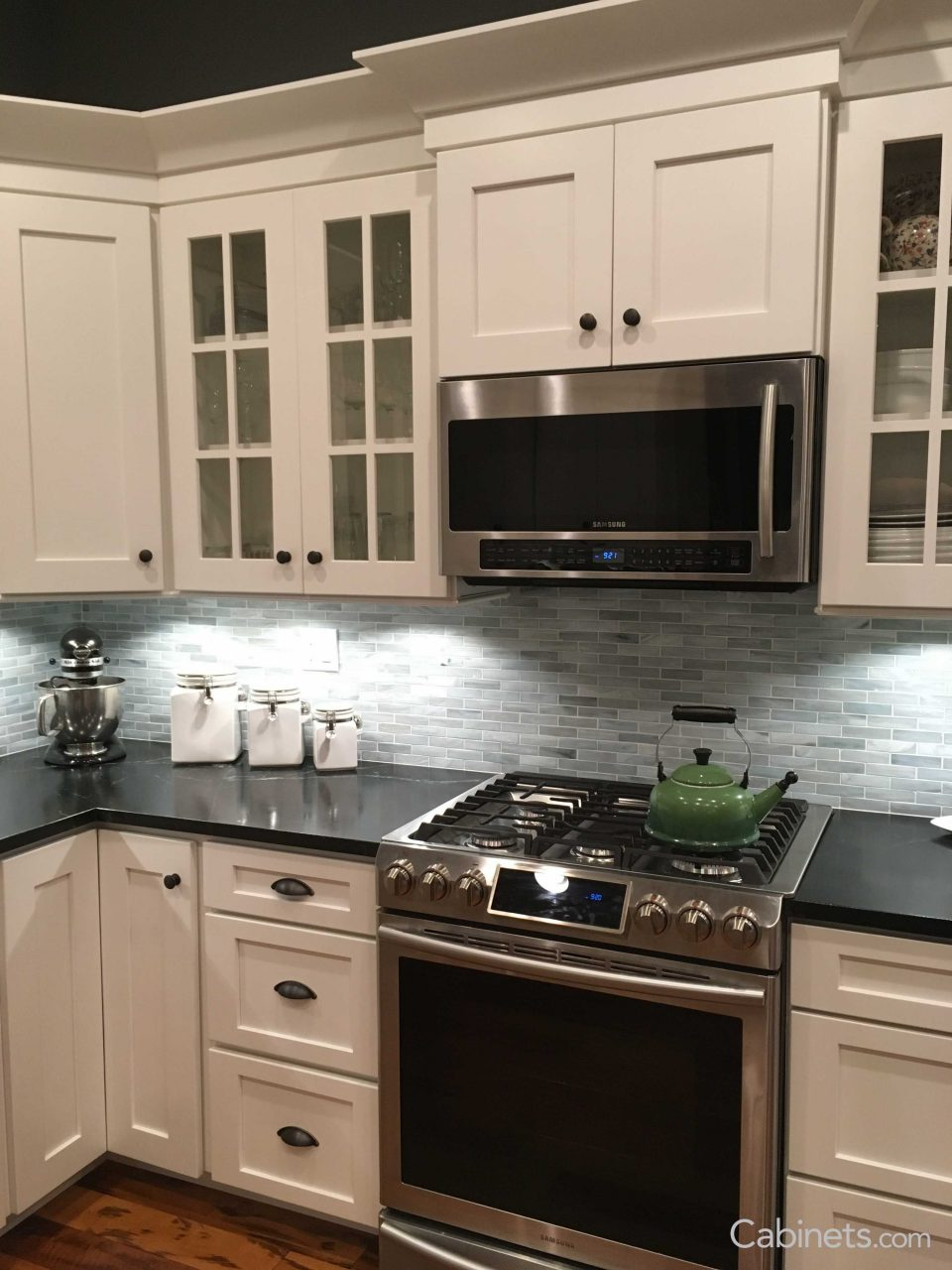 The Picture Features Shaker Ii Maple Bright White Cabinets Shaker