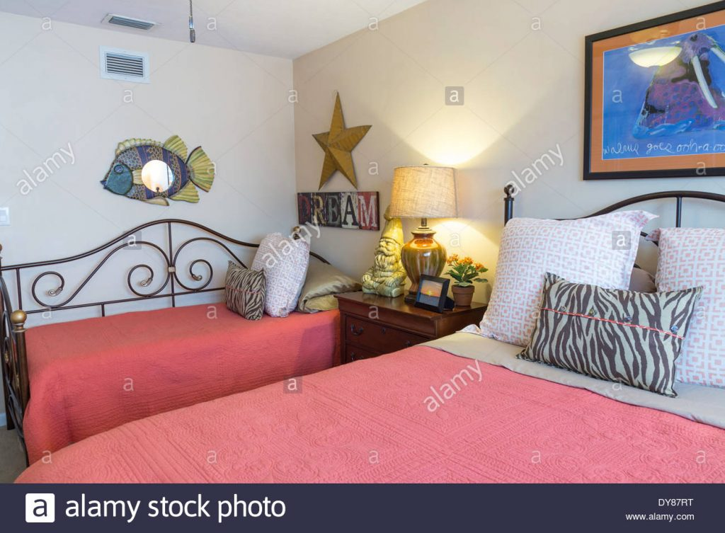 Tropical Themed Guest Bedroom Usa Stock Photo 68408588 Alamy