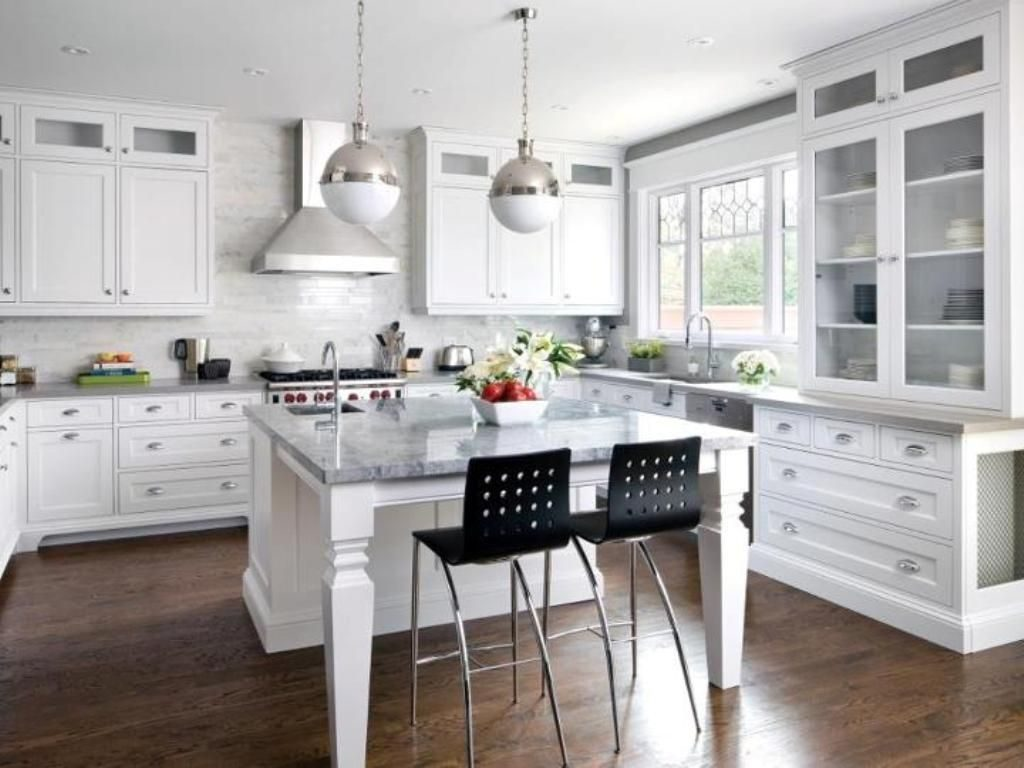 White Shaker Kitchen Cabinets Dark Wood Floors Decorating Ideas