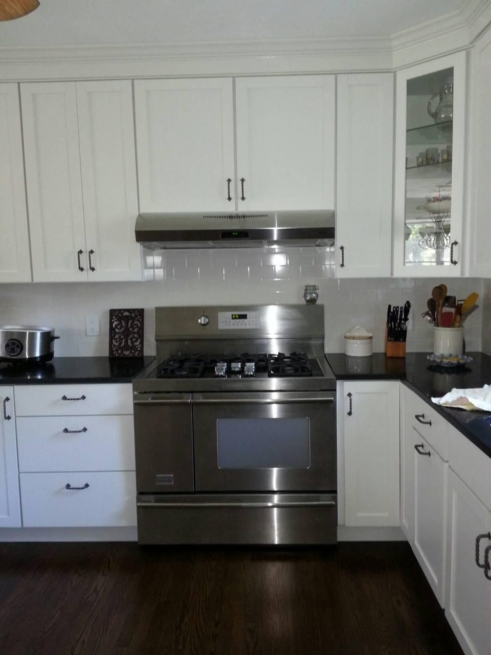 White Shaker Kitchen Cabinets Stainless Steel Hood And 48 Wide Gas