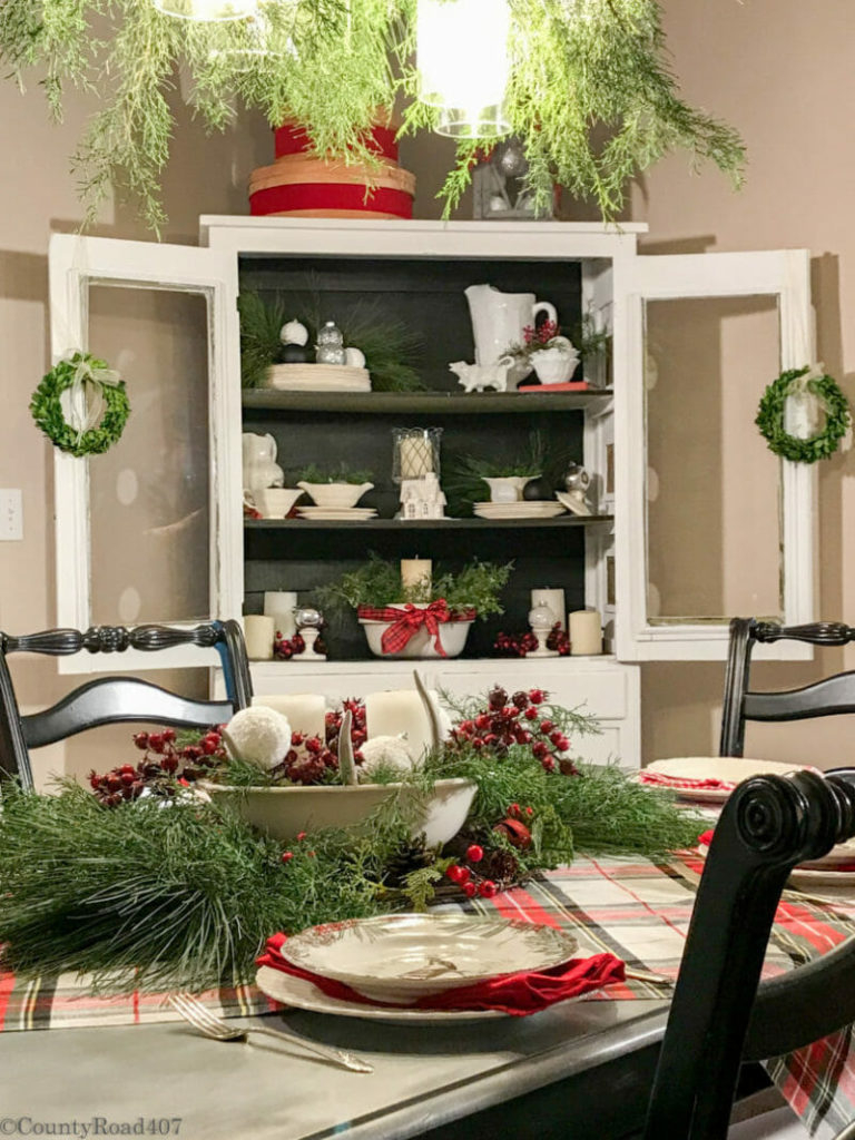 12 Christmas Hutch Decor Ideas That Will Impress Your Dinner Guests