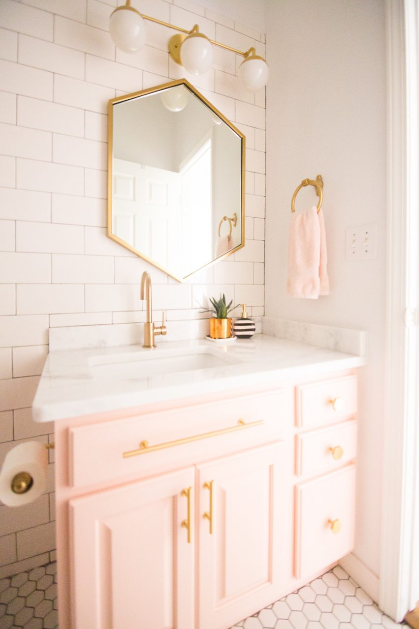13 Gold Bathroom Mirror Ideas For Your New Bathroom Remodel