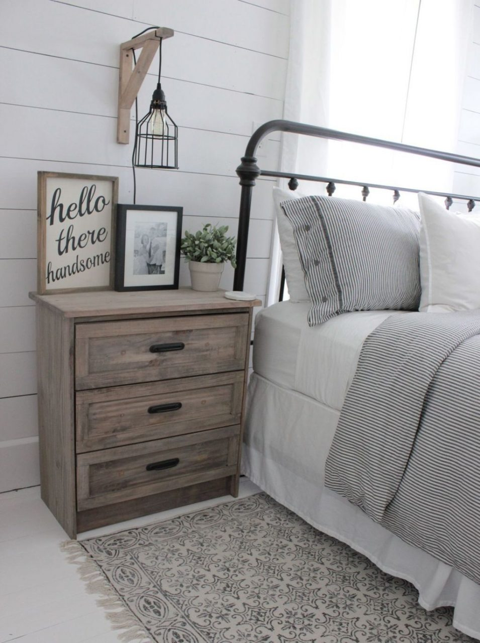 46 Modern Farmhouse Style Bedroom Decor Ideas Bedroom Farmhouse
