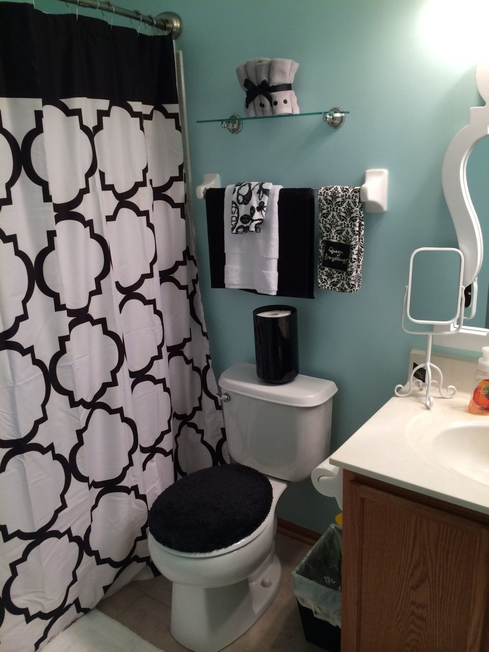 Black White And Blue Bathroom Home Interiors I Love In 2019