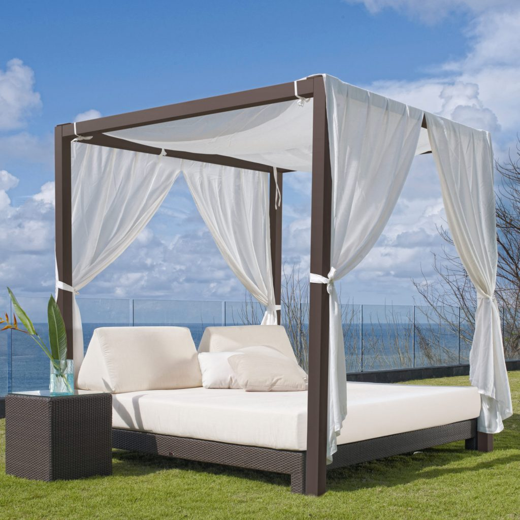 Canopy Outdoor Daybed Table