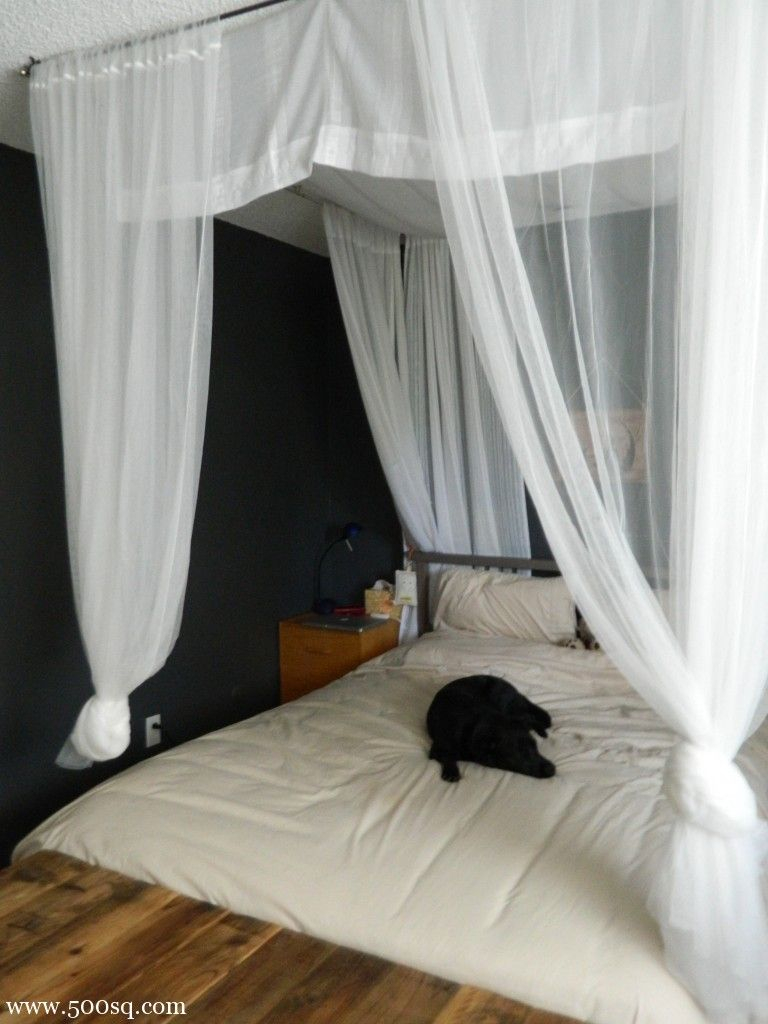 Diy Canopy Bed Seems Like A Nice Idea For A Smaller Apartment