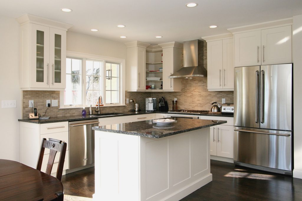 Find Cool L Shaped Kitchen Design For Your Home Now Someones In
