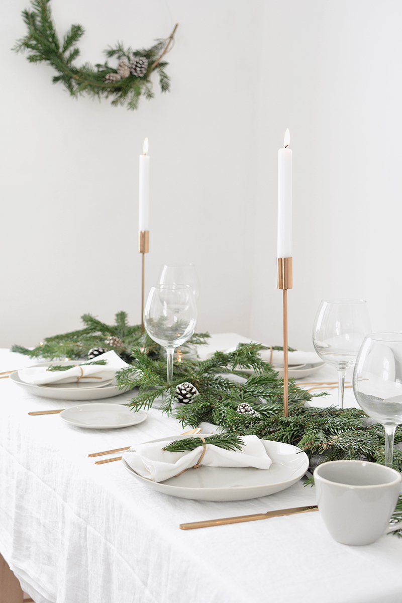 How To Create A Modern Christmas Tablescape Burkatron