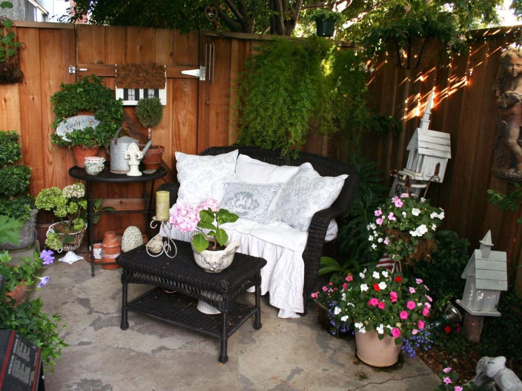 Outdoor Small Patio Decorating Ideas With Outdoor Furniture And Wood