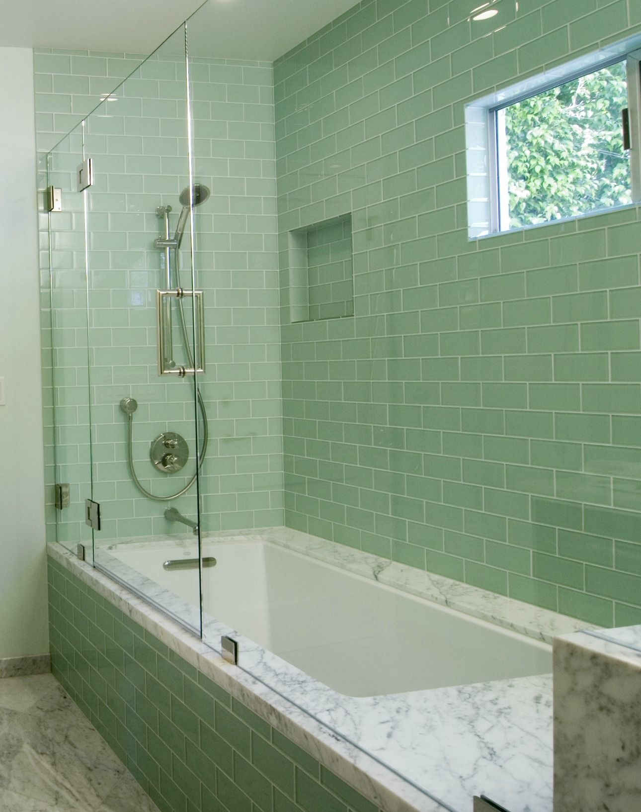 Terrific Glass Subway Tile For Your Bathroom And Kitchen Ideas