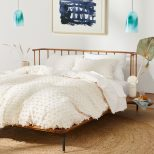 Tufted Makers Quilt In 2019 Home Journals Anthropologie Bedding