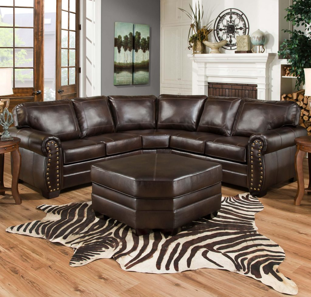 United Furniture Industries 9222 Traditional Sectional Sofa With